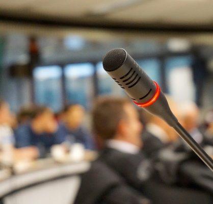 microphone-704255_960_720